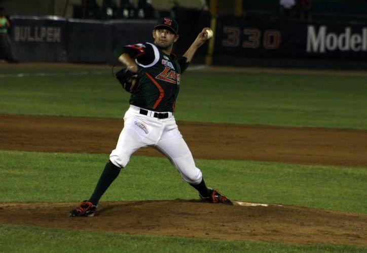 El zurdo Óscar Rivera alcanzó su victoria 72 en la Liga Mexicana. (SIPSE)