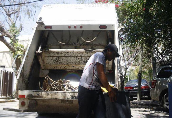 Durante las vacaciones de invierno se recogieron 750 toneladas de basura al día en Playa del Carmen. (Octavio Martínez/SIPSE)