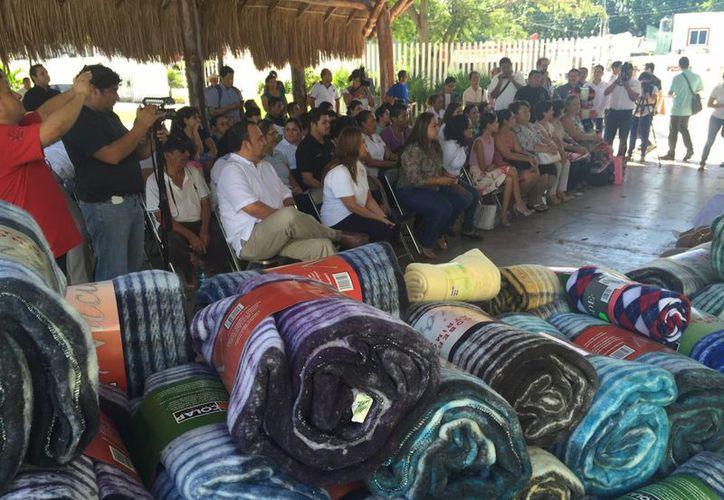 La campaña de recolección de cobertores tiene la meta de beneficiar a seis mil personas de escasos recursos. (Luis Ballesteros/SIPSE)