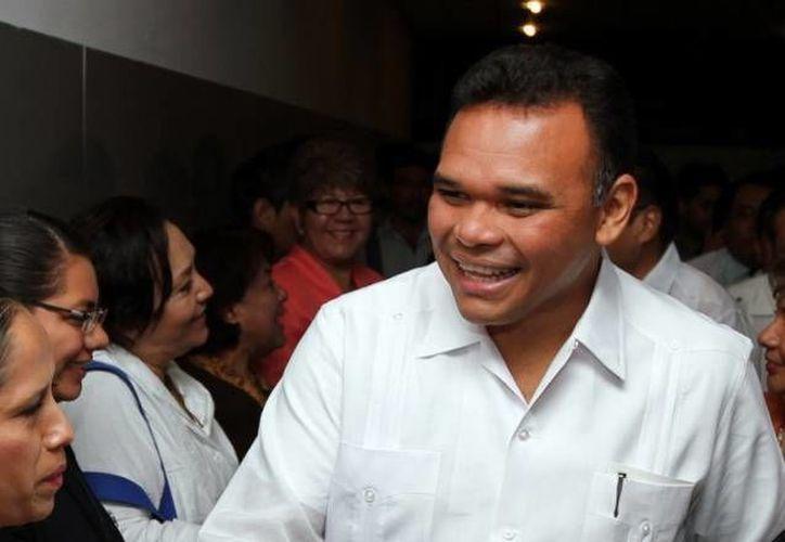 El mandatario yucateco Rolando Zapata no solo presidirá la ceremonia festiva sino la entrega de equipo informático, pericial y de seguridad a diversas dependencias. (Foto de archivo de SIPSE)