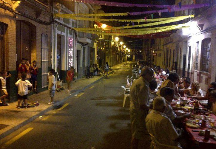 Para estas fiestas decembrinas muchos vecinos optan por cerrar las calles para armar el festejo. (Imagen ilustrativa tomada de internet)
