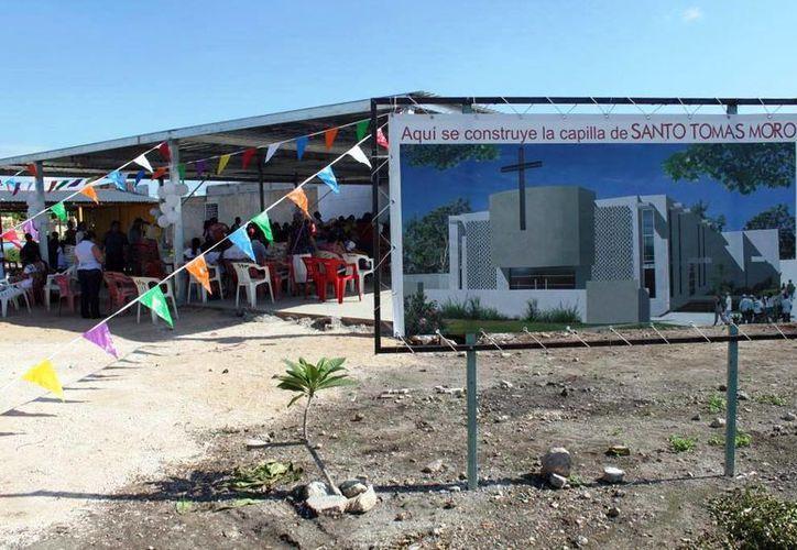 La capilla a Santo Tomás Moro se empezó a edificar hace 10 años. Se recaudan recursos para su edificación. (Milenio Novedades)