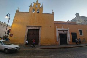 Invaluable belleza de Capillas de la Catedral de Mérida