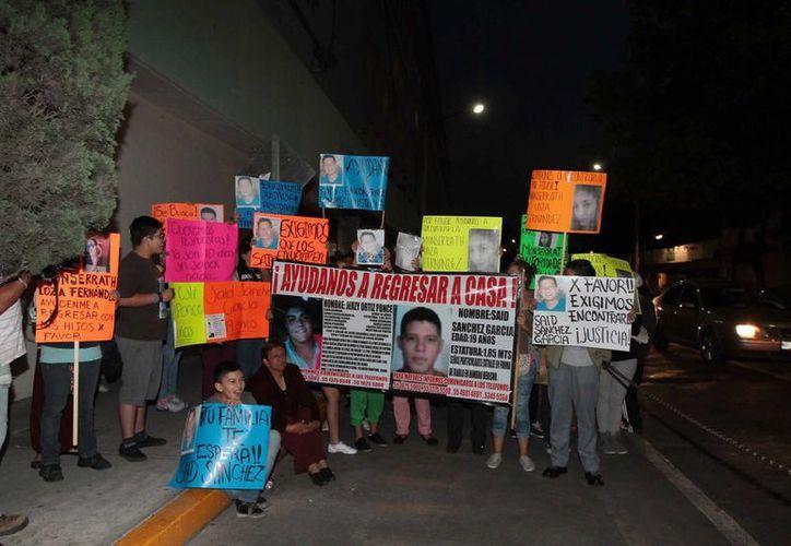 Familiares de los desaparecidos exigen rápida acción de la autoridad. (Notimex)