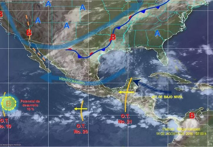 El paso de la onda tropical número 20, que se extenderá al sur de Michoacán, ocasionará potencial de tormentas puntuales fuertes en dicha entidad, además de reforzar el potencial de lluvias fuertes en el occidente y centro del país. (smn.cna.gob.mx)