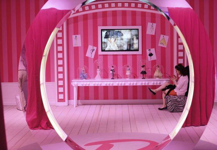 """Una de las salas de la recién inaugurada """"Barbie Dreamhouse Experience"""" (Experiencia en la casa de los sueños de Barbie), en Berlín, Alemania. (EFE)"""
