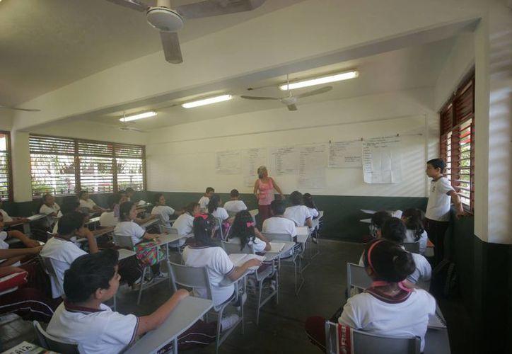Un promedio de 295 mil estudiantes del nivel básico regresarán a las aulas. (Harold Alcocer/SIPSE)