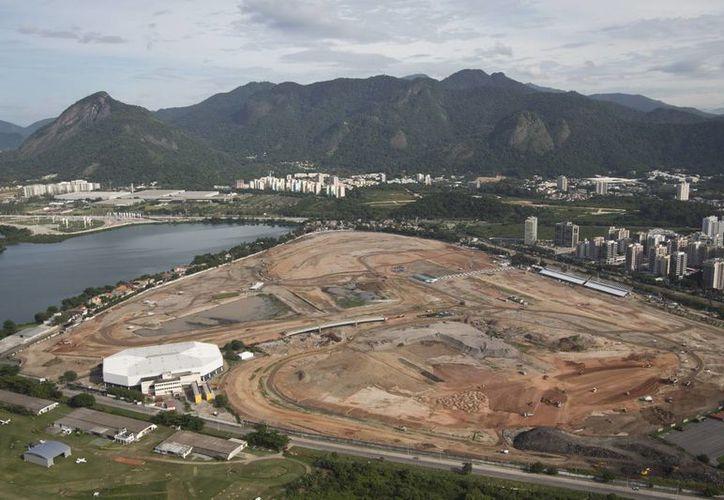En esta gráfica se aprecia la construcción del Parque Olímpico en Río de Janeiro. (Agencias)
