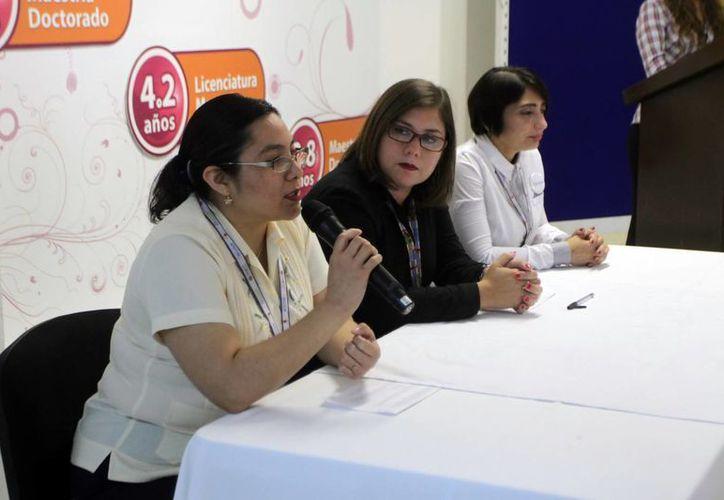 Carmen Chay Hernández ofreció pormenores de Sinergia, Reto Universitario 'Creatividad Tecnológica, Innovación Empresarial' 2016. (Milenio Novedades)