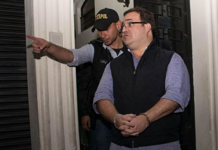 El vocero de la DGSP negó que se violen los derechos de los reos, como se quejó la defensa por las constantes requisas que se registran en la celda de Duarte. (López Dóriga Digital)