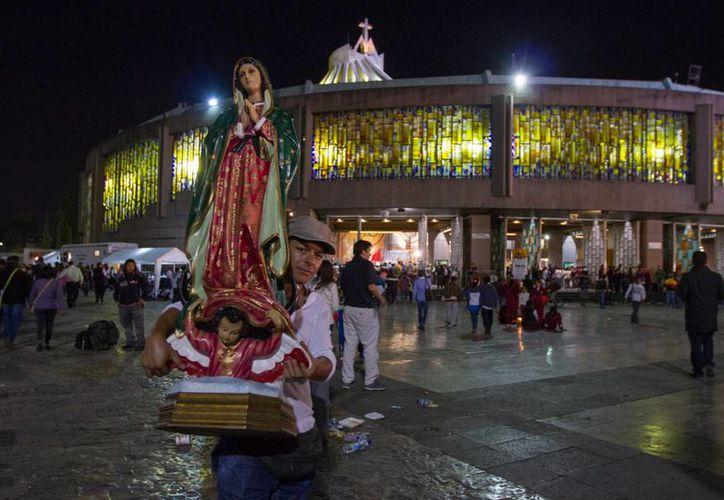 En la Basílica de Guadalupe se llevó a cabo la celebración por el aniversario 482 de la aparición de la Morenita del Tepeyaxc a Juan Diego. (Notimex)