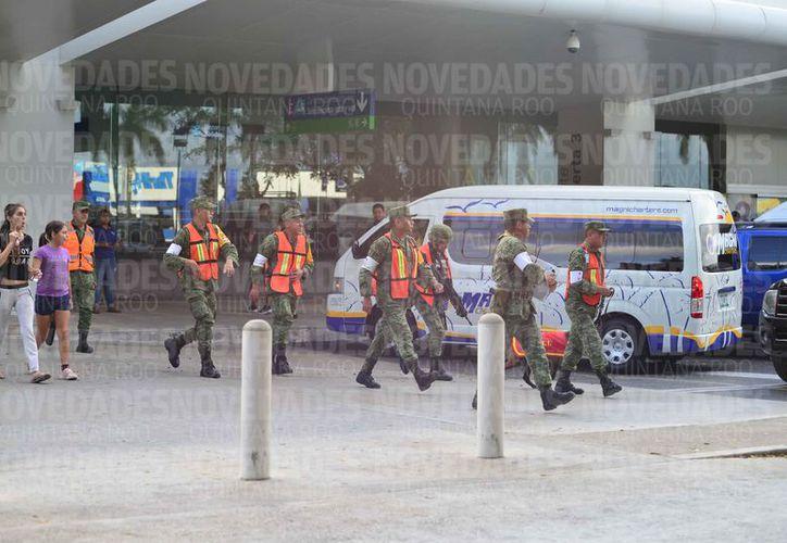 En el simulacro participaron elementos de diferentes corporaciones de seguridad. (Karim Moisés/SIPSE)