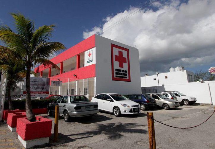 """El """"grupo juventud"""" de la Cruz Roja realiza actividades a favor de la ciudadanía. (Francisco Gálvez/SIPSE)"""