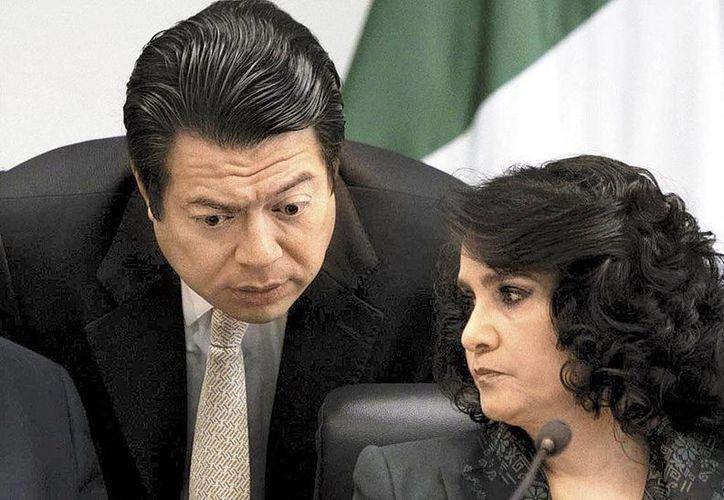 Los legisladores del PRD  Mario Delgado y  Dolores Padierna aseguraron que muchos comerciantes ya aumentaron desproporcionadamente sus precios. (Daniel Cruz/Milenio)