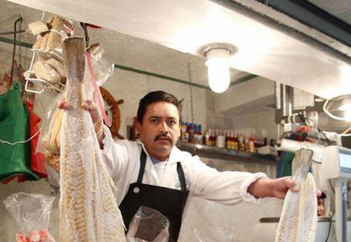 En esta temporada aumentará la demanda de pescados y mariscos, sobre todo en zonas urbanas. (Notimex/Archivo)