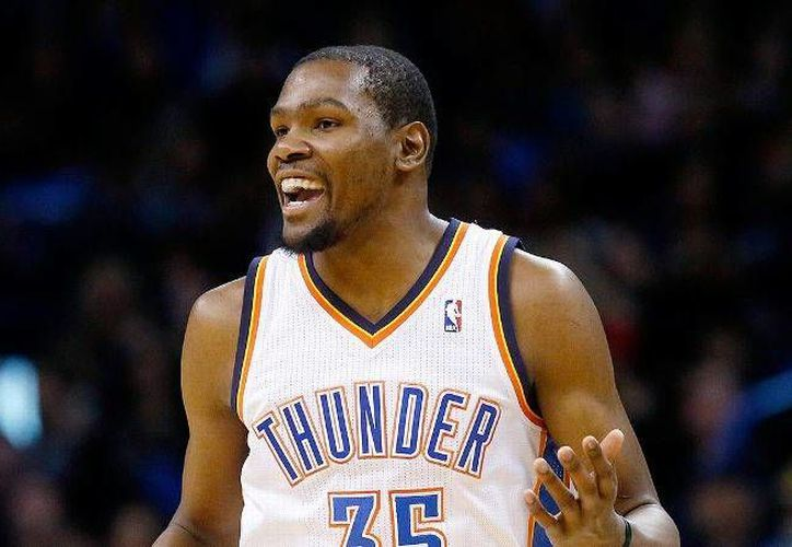 Kevin Durant es el jugador con mas minutos jugados en las últimas cuatro temporadas en la NBA. (AP)