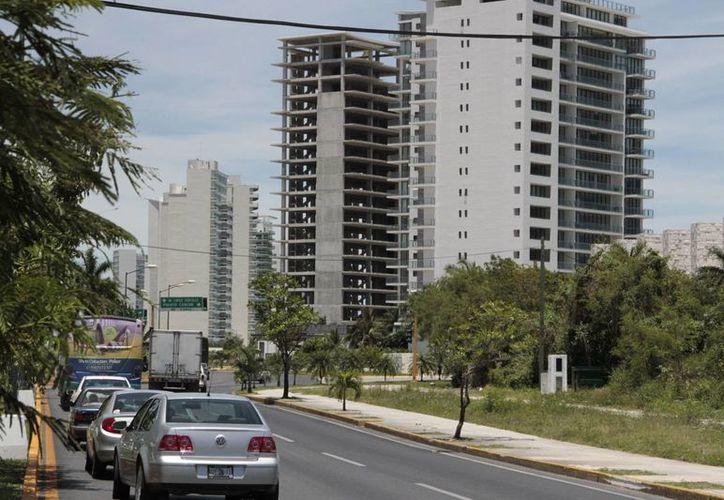 El documento que se revocó permitía una densidad de 63 mil cuartos en la zona hotelera para los próximos 15 años. (Tomás Álvarez/SIPSE)