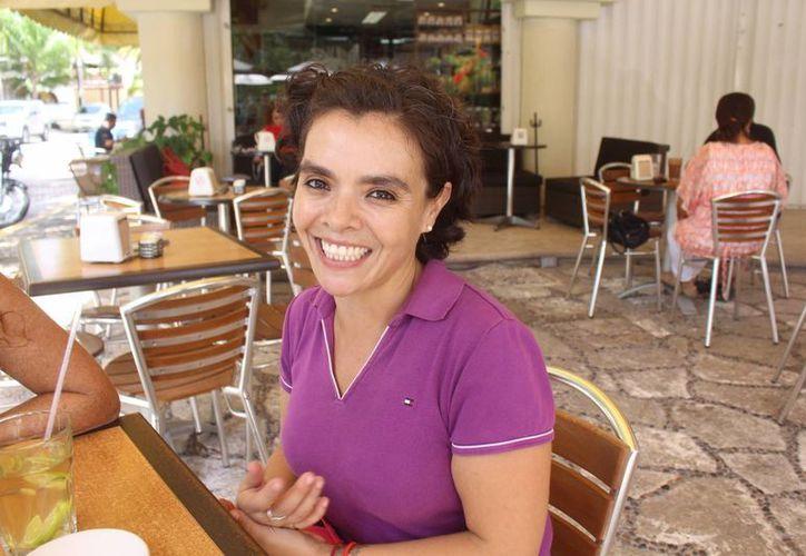 Erika Hernández Cruces fue invitada para participar como traductora en el Festival Cervantino que se realiza en Guanajuato. (Luis Ballesteros/SIPSE)