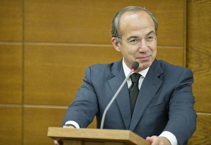 El expresidente Felipe Calderón Hinojosa se mostró indignado por la designación de Lucero Sánchez López por una candidatura del PAN. (Archivo/Notimex)