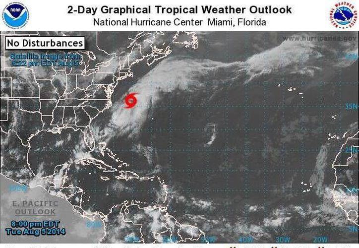 En Atlántico ahora se encuentra la tormenta tropical Bertha, que por su lejanía y trayectoria no afecta a la Península de Yucatán. (CNH)