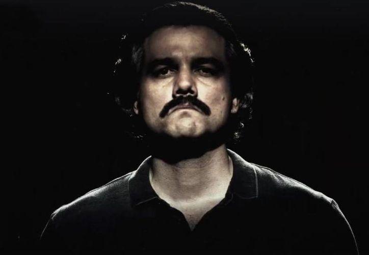 Al finalizar la historia de Pablo Escobar, es posible que se narre la vida de otros delincuentes. Imagen del actor Wagner Moura, quien interpreta al famoso narcotraficante colombiano en la serie 'Narcos'.(Captura de pantalla)