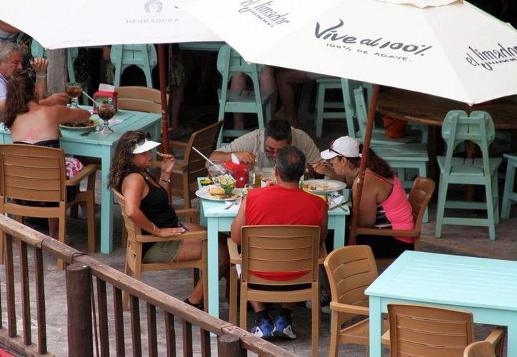 Actualmente hay 7 mil negocios registrados en Playa del Carmen.  (María Mauricio/SIPSE)