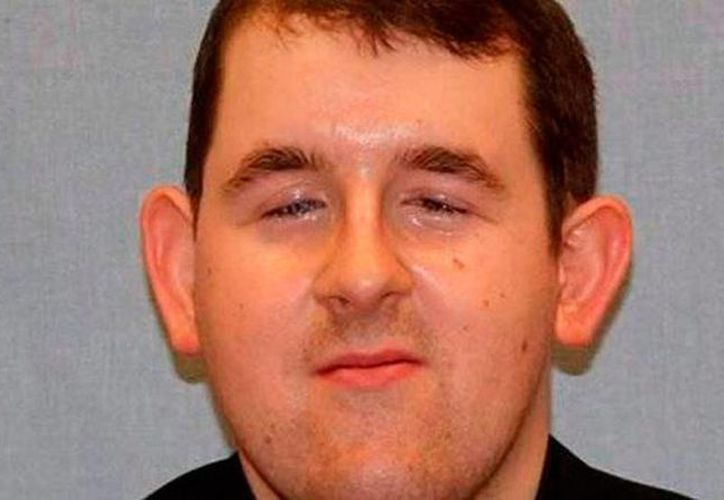 Las autoridades encontraron correos electrónicos en los que Joel Alexander Wright, de 23 años de edad, manifestaba su deseo de mantener relaciones sexuales con tres infantes. (Proceso)