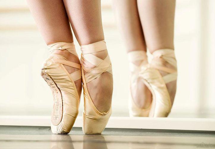 Las personas que deseen ingresar deben tener experiencia en danza. (Contexto)