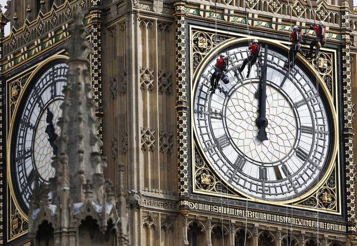 Dato curioso: al Big Ben, edificio emblemático de Londres, solamente pueden entrar ciudadanos británicos previa autorización del Parlamento. (Archivo/AP)