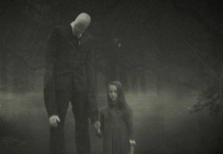 La historia de Slenderman orilló a dos niñas a apuñalar a una compañera, por lo cual ahora enfrentan un juicio. En esta historia se centra el nuevo documental de HBO. (Imagen tomada de www.vayatele.com)
