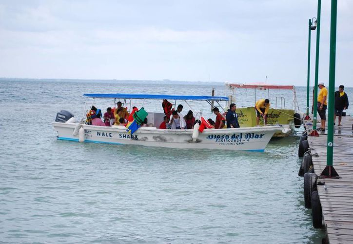 Un total de 10 embarcaciones presentaron anomalías leves, como el reemplazo de chalecos salvavidas y extintores caducos. (Tomás Álvarez/SIPSE)