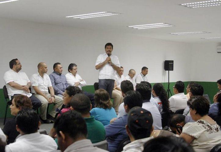 El titular del Inderm dirigió unas palabras a los alcaldes asistentes a quienes se les informó acerca del manejo de los recursos federales. (Milenio Novedades)