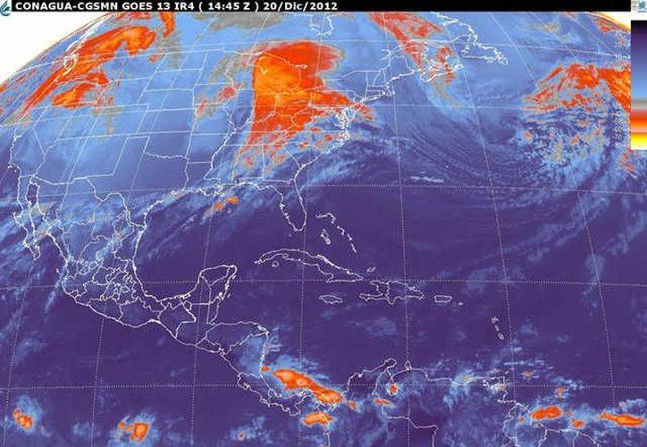 Por la mañana, soplarán vientos del este y sureste de 20 a 40 km/h, cambiando por la noche al norte y noreste de 30 a 50 km/h. (smn.cna.gob.mx)