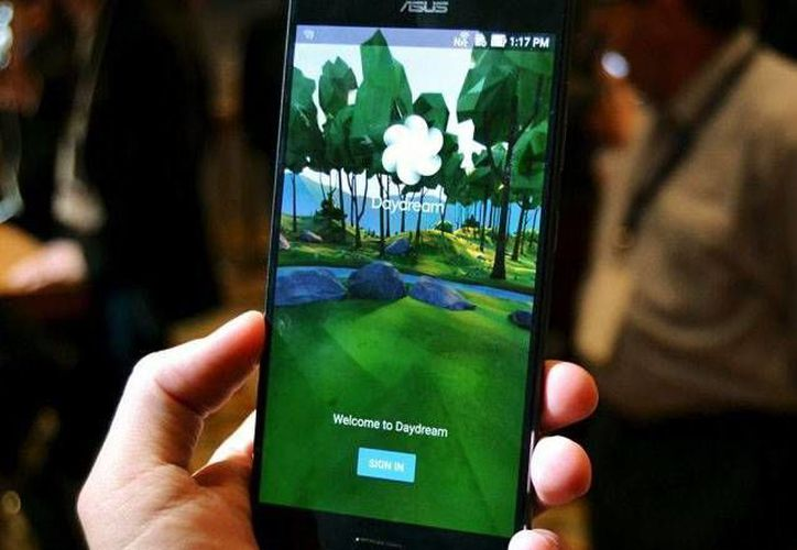 En el nuevo dispositivo de Asus podrás visualizar objetos virtuales en tamaños real a través de su pantalla de 5.7 pulgadas. (Asus)