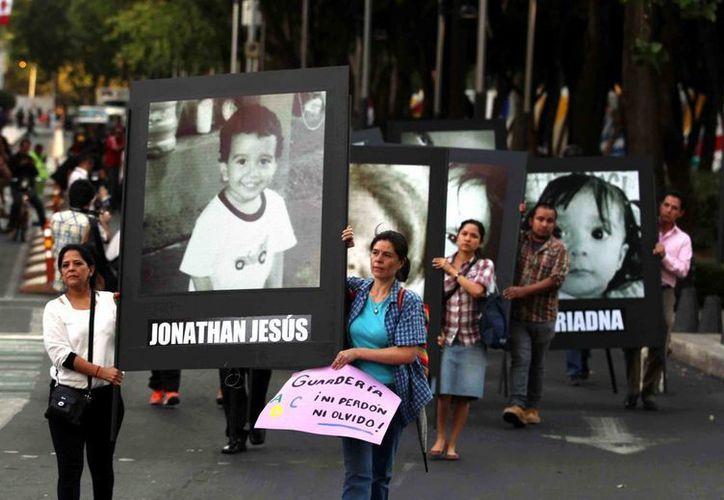 Por el incendio que quitó la vida a 49 pequeños de la Guardería ABC en junio de 2009 hay actualmente 29 personas bajo investigación. (Archivo/AP)