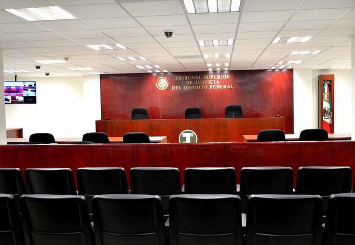 Así son las salas de juicio oral en las que ahora trabajará el Tribunal Superior de Justicia del DF. (Notimex)
