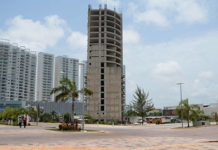 El plazo para que 22 propietarios del proyecto Malecón Tajamar obtengan los permisos está a cinco meses de vencer. (Victoria González/SIPSE)