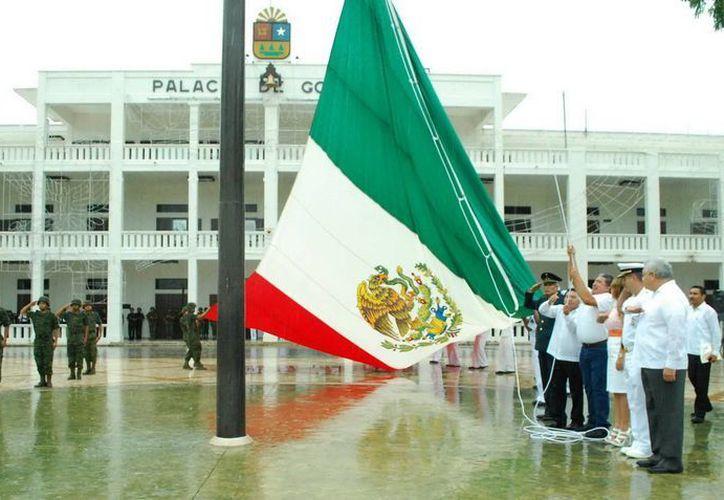 Arrancaron oficialmente las actividades alusivas al Mes de la Patria 2013. (Redacción/SIPSE)