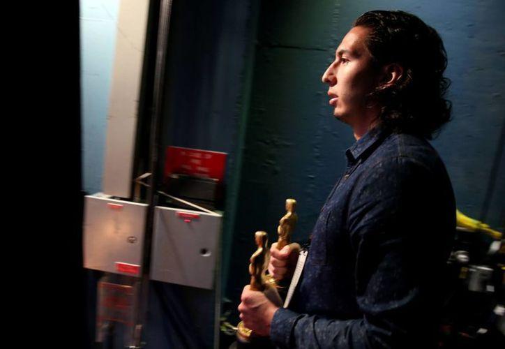 Jean Paul Isaacs, estudiante de la Universidad de Rutgers de NJ, quien ganó un concurso para que uno de sus cortometrajes se proyectara en el Festival de Cine de Cannes, es parte del Equipo Oscar de este año. (Agencias)