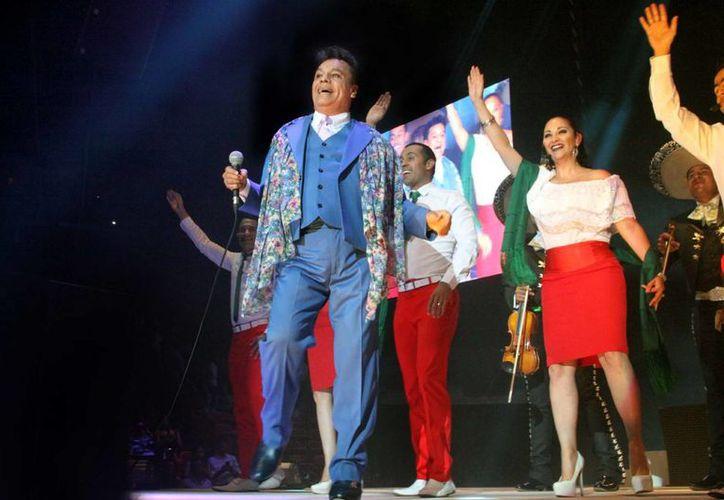 El Divo de Juárez es uno de los artistas latinomericanos con mayores ventas en la historia de la música, con más de 100 millones de copias a nivel mundial. (Archivo/Notimex)