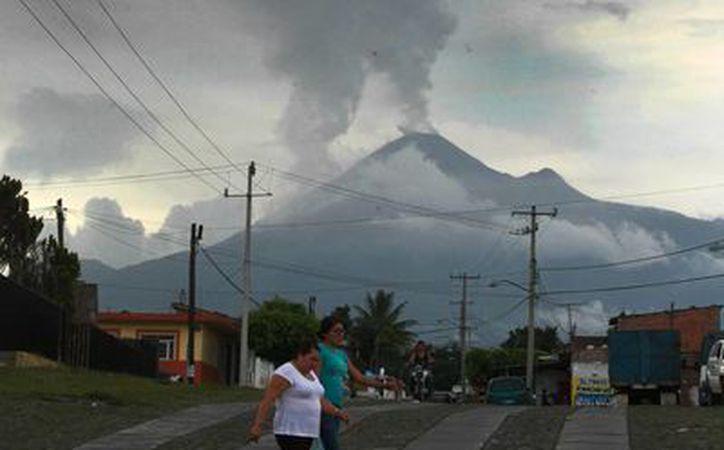 Las lluvias recientes han arrastrado la ceniza que emite el Volcán de Colima. (Notimex)