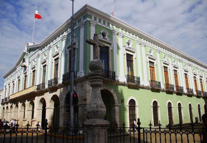 Son tres mil 345 servidores públicos yucatecos los que tienen del 1 al 31 de mayo para presentar sus declaraciones de bienes. (Milenio Novedades)