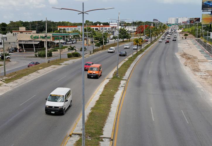 Las carreteras generan impacto a la naturaleza por afectación en áreas vírgenes, riesgos para la fauna, por el flujo vehicular y las emisiones de carbono. (Jesús Tijerina/SIPSE)