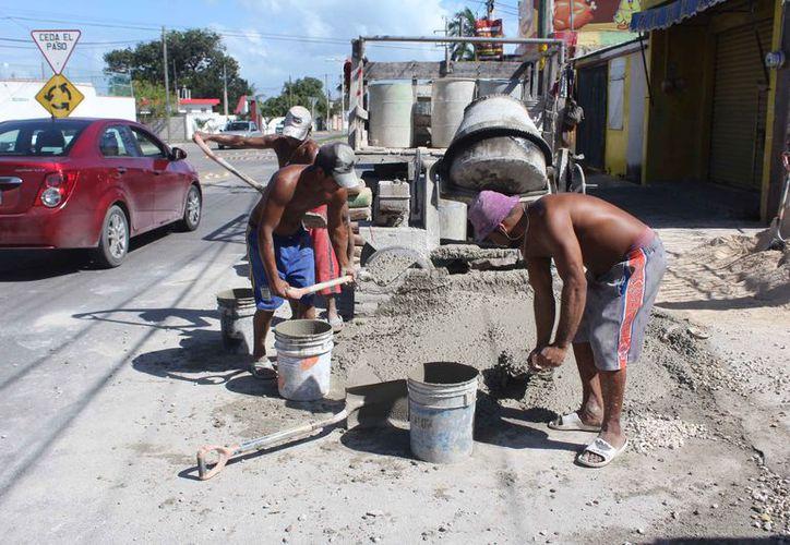 Los trabajadores participarán en las obras de la estación del tren en la capital del estado. (Daniel Tejada/SIPSE)