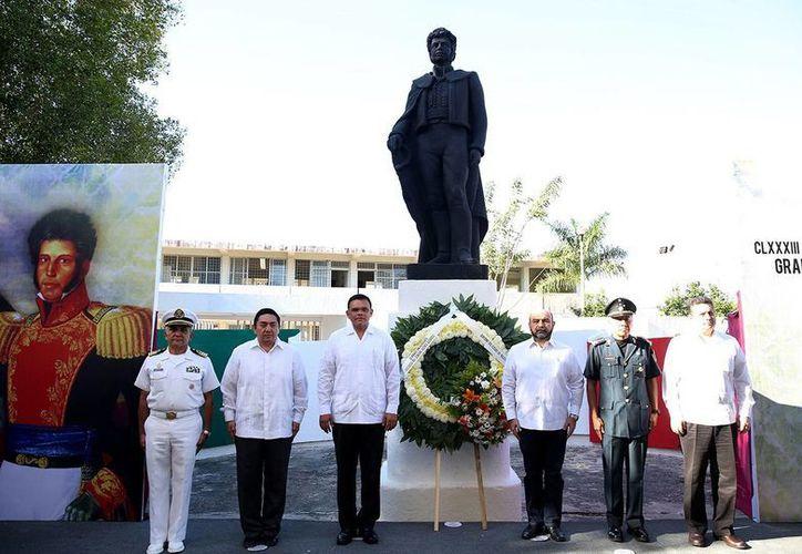 El Gobernador presidió ayer viernes la conmemoración del aniversario luctuoso de Vicente Guerrero. (SIPSE)