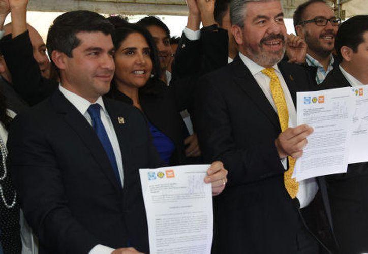 Se legaliza el Frente Ciudadano ante el Instituto Nacional Electoral de Ciudad de México. Foto: Huffingtonpost