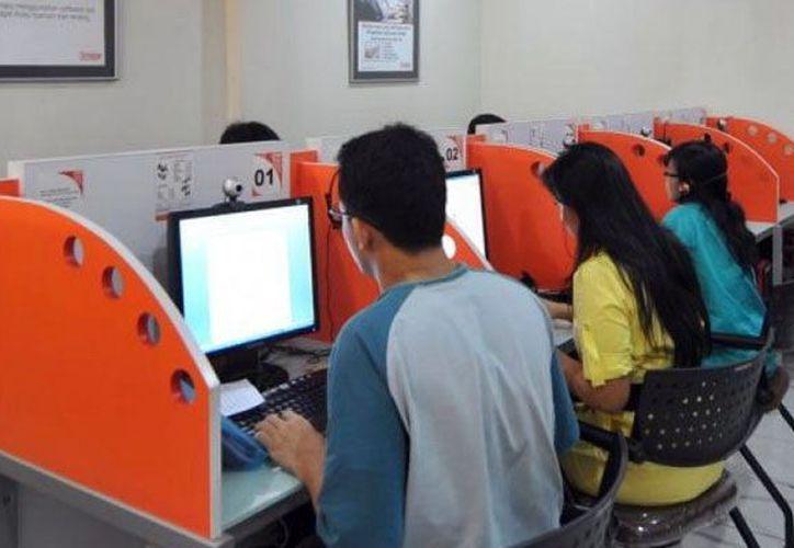 Advierten que cada vez hay menos usuarios en los cibercafés. (Milenio Novedades)