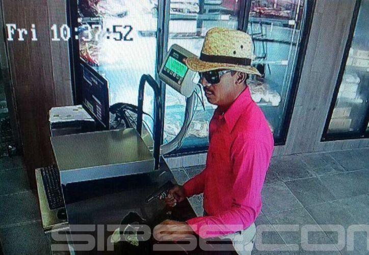 El presunto ladrón se llevó alrededor de 300 mil pesos de la caja de 'Sukarne'. (Foto: Redacción/SIPSE)