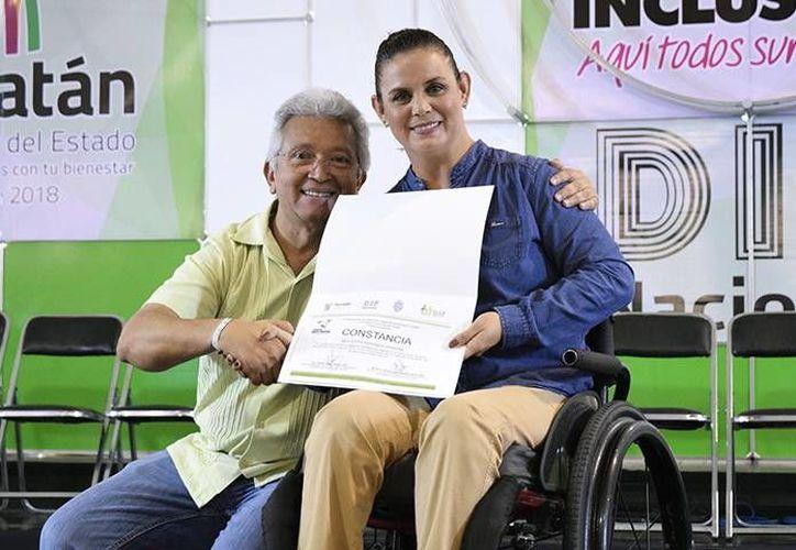 Nely Edith Miranda con José Limber Sosa Lara. (Milenio Novedades)
