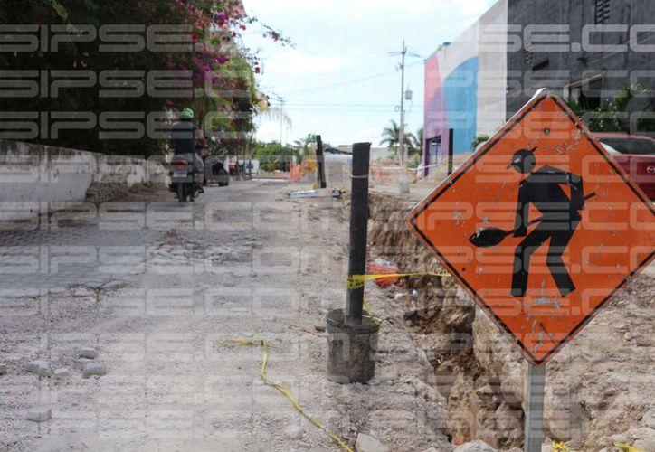 Las obras de Aguakán estorban a vecinos y ni siquera les beneficiarán. (Adrián Barreto/SIPSE)